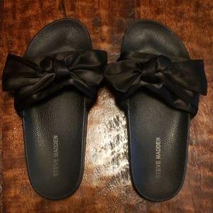 Steve Madden bow sandals